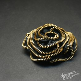 Rose Zipper Brooch in Black with Gold teeth